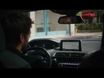Vidéo Peugeot 3008 suv Drone Racing